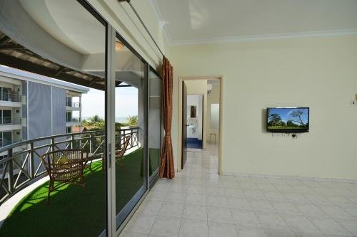 Perdana Beach Resort - фото 12