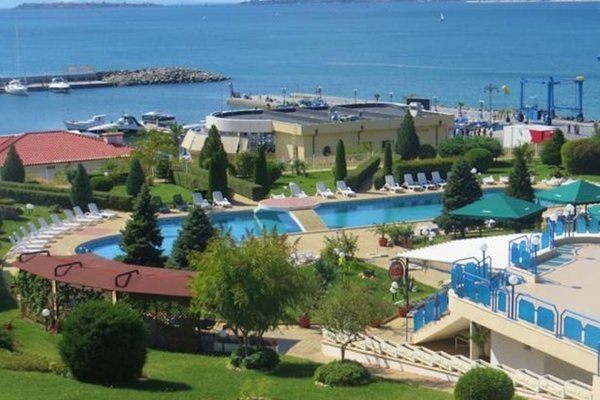 Holiday Apartment in Riviera Complex - фото 1