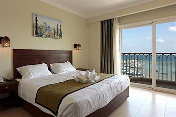 The Three Corners Royal Star Beach Resort - фото 1