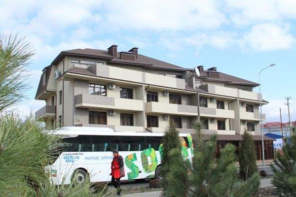 Отель «TRI KITA», Адлер