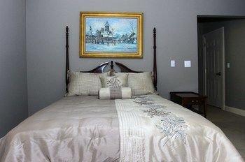 Photo of DeBary Inn