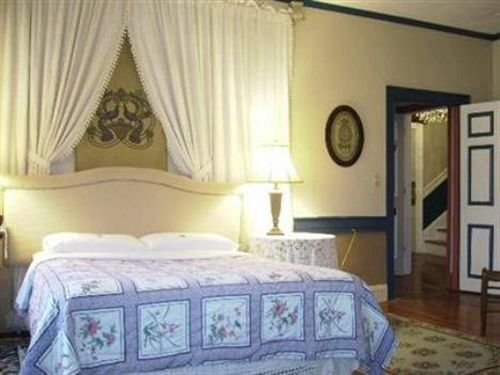 Photo of The Historic Fairfield Inn