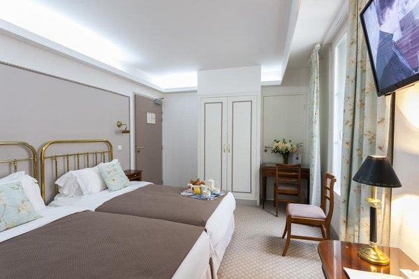Azur Hotel - фото 3