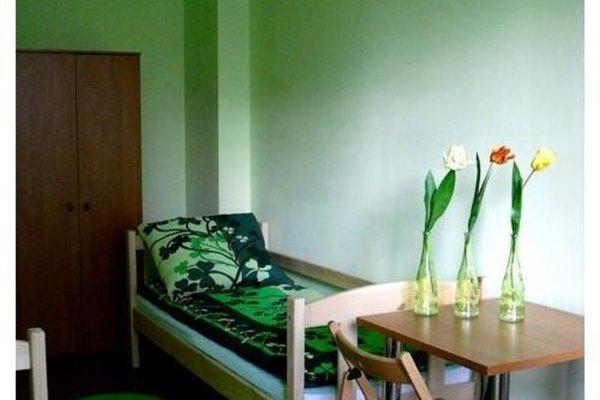 In-joy Hostel - фото 0