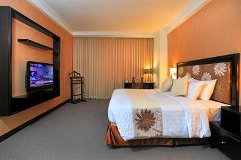 Hotel Menara Bahtera - фото 1
