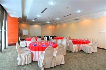 Hotel Menara Bahtera - фото 12