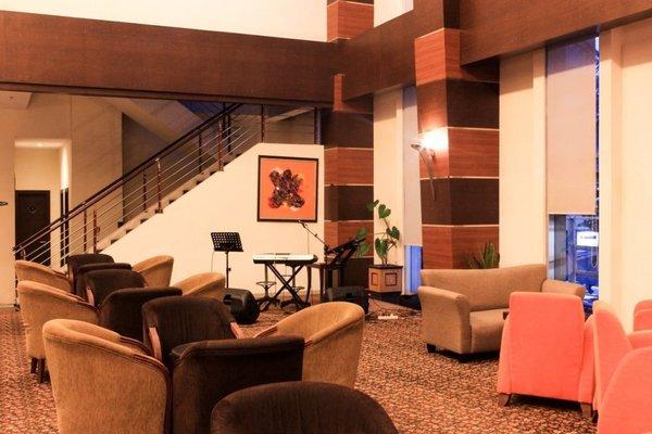 Hotel Menara Bahtera - фото 5