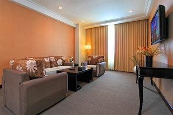 Hotel Menara Bahtera - фото 6