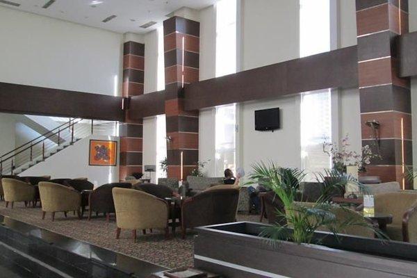 Hotel Menara Bahtera - фото 7