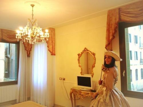 Hotel At Leonard - фото 2
