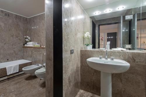Milan Royal Suites - Centro - фото 17
