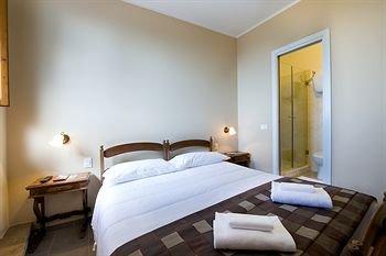 Hotel Properzio - фото 1