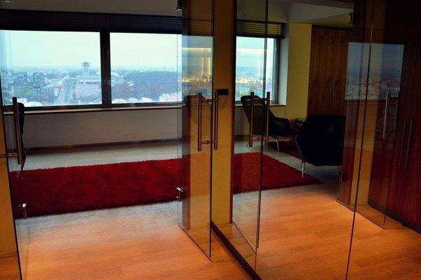 One Room Hotel - фото 14