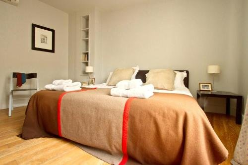 Marais Musee Picasso Luxury 3 Bedroom Apartment - фото 14