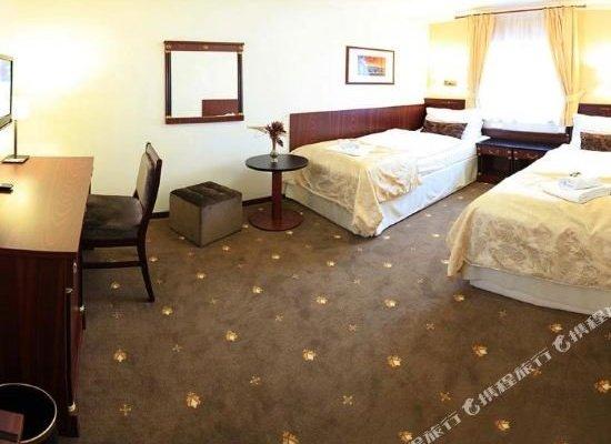 Hotel & Apartments U Cerneho orla - фото 12