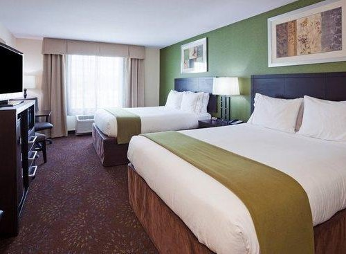 Photo of Holiday Inn Express Hotel and Suites Fort Dodge