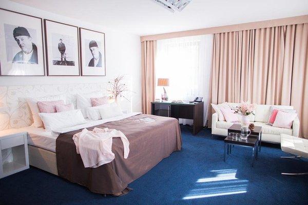 Savoy Hotel - фото 2