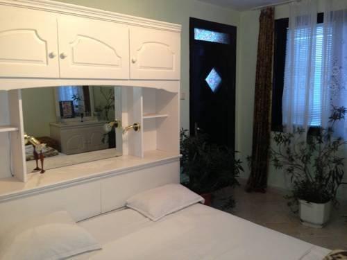 Family Hotel Detelina - фото 9