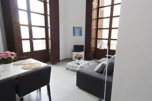 Apartamentos Malaga Picasso - фото 4