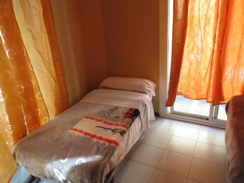 Hostal Nou Raval - фото 1
