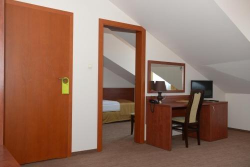 Hotel Vis a Vis Lancut - фото 4