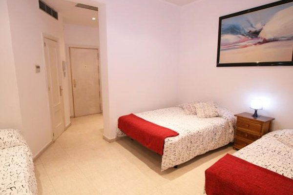 Apartamentos Sleeping in Madrid - фото 23