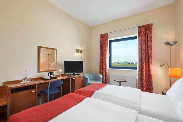 Ramada Airport Hotel Prague - фото 3