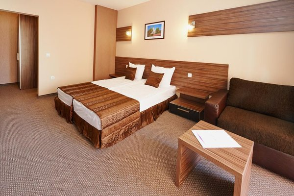 Coral Hotel - фото 6