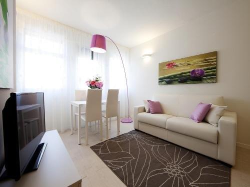 La Farina Apartments - фото 8