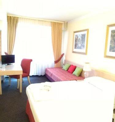 OAZA hotel - фото 1