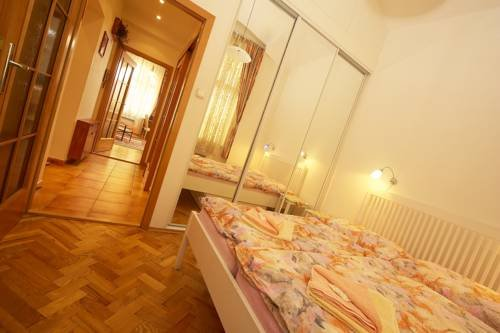Apartments Vysehrad With Free Parking - фото 10