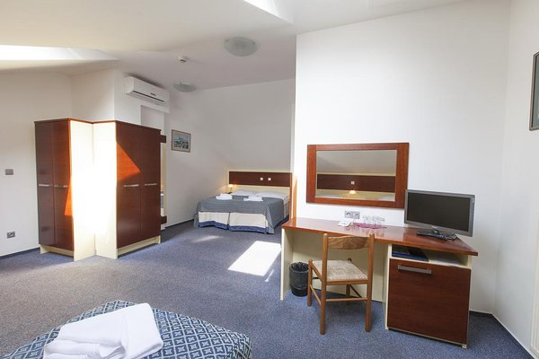 City Partner Hotel Atos - фото 9