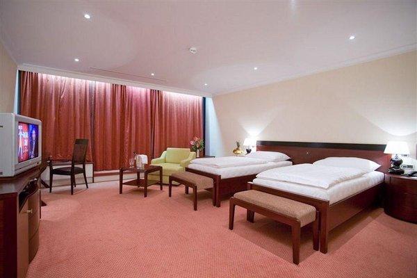 Hotel Praha - фото 0