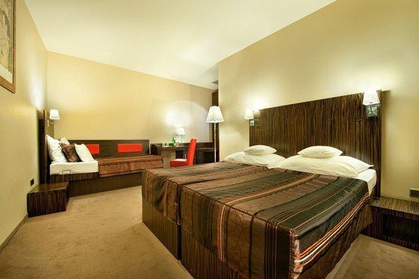 EA Hotel Crystal Palace - фото 1