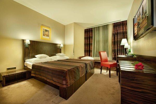 EA Hotel Crystal Palace - фото 2