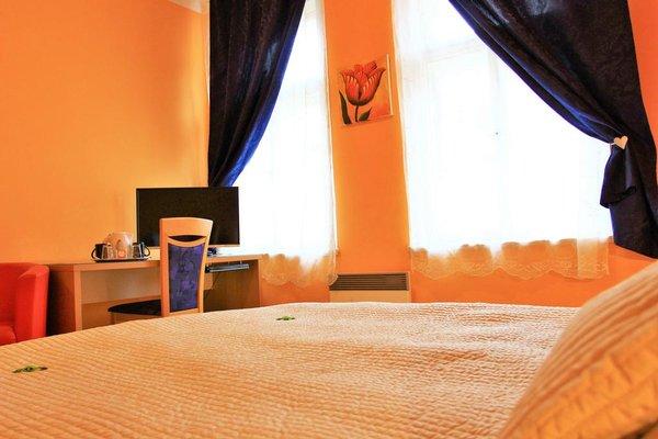 City Lounge Crown Hotel - фото 1