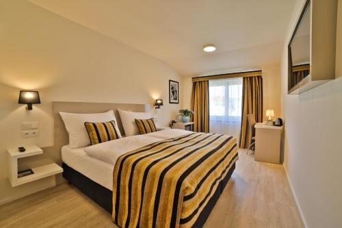 Ariston & Ariston Patio Hotel - фото 1