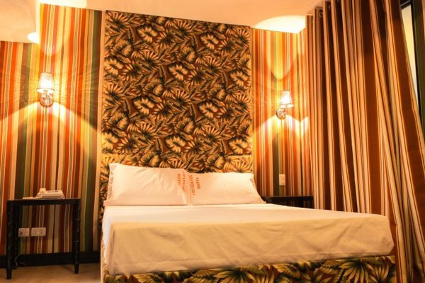 Starmark Hotel, Ligao