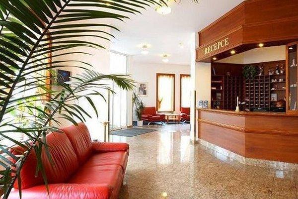 Hotel Avion - фото 7