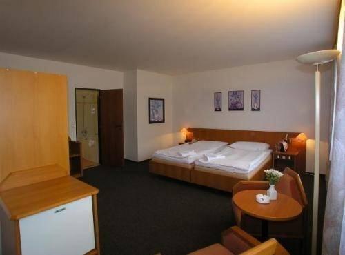 Отель Astra - фото 1