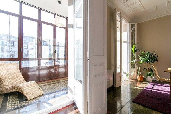 Plaza Universidad Apartments - фото 2