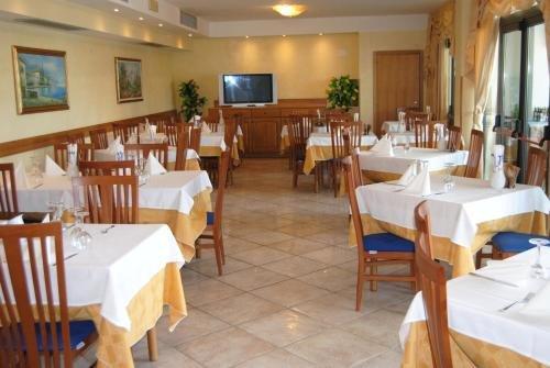 All azzurro Hotel Limone - фото 8