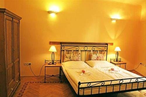 Charming Prague Apartments At the Black Star - фото 50