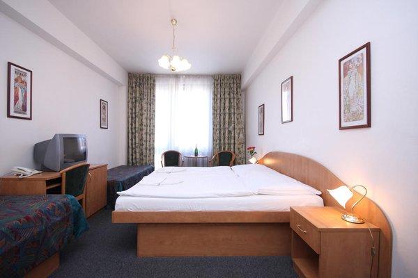 Отель Legie - фото 1