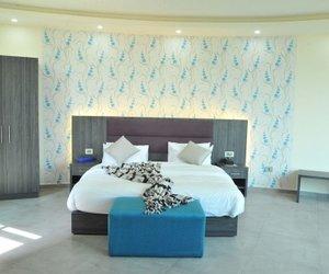 Le Six Hotel And Resort Al Batrun Lebanon