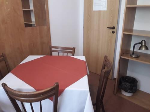 Hostel Sokol Troja - фото 7