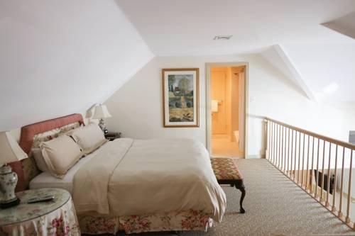 Photo of Golden Plough Inn
