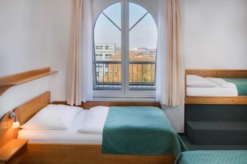 Hotel Otar - фото 1