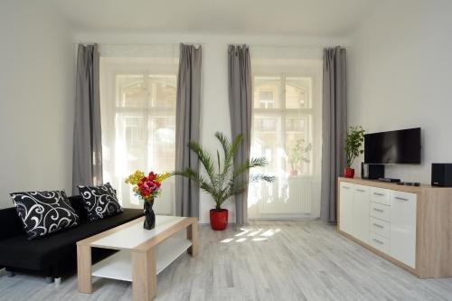 Navratilova Apartments - фото 21