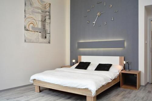 Navratilova Apartments - фото 4